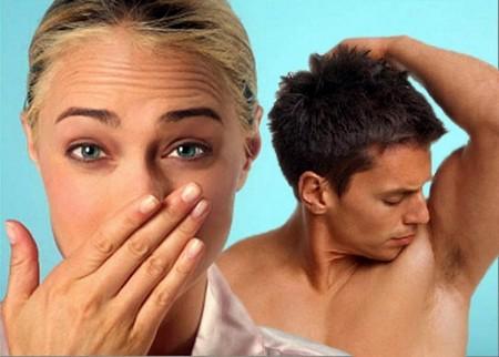 Пот пахнет луком – причины, факторы, лечение