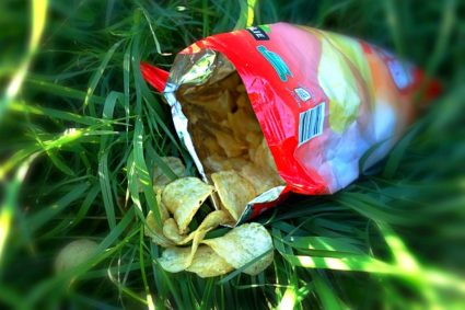 От продуктов с консервантами и красителями необходимо отказаться