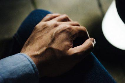 Бурсит: причины, признаки, особенности лечения и осложнения