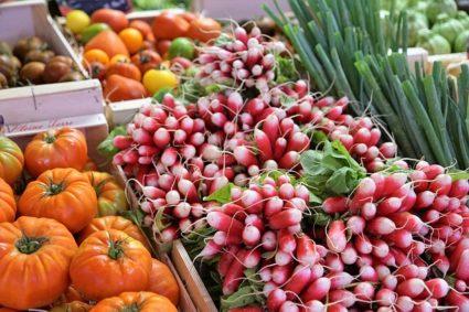 Изобилие фруктов и овощей всегда полезно