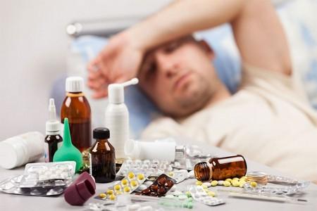 Тремор, повышенное потоотделение появляется при передозировке медикаментов