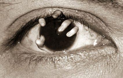 Одним из возможных осложнения является потеря зрения