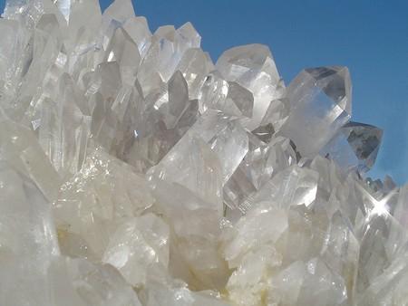 Каменный дезодорант – состав, особенности применения, эффективность