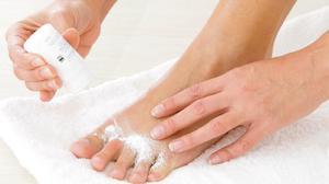Народные рецепты для лечения грибка на ногах
