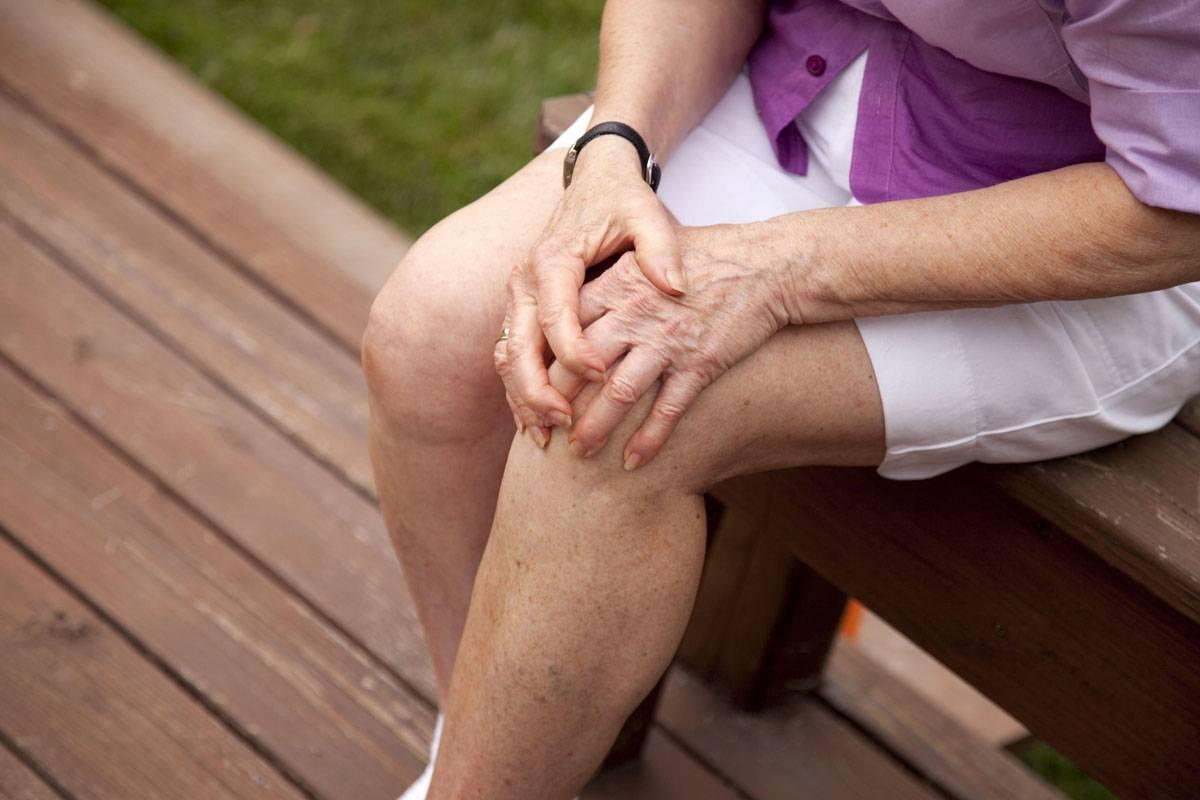 Болит колено