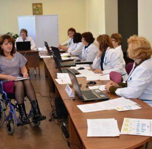 Дают ли группу инвалидности при грыже позвоночника? Перечень необходимых документов МСЭ