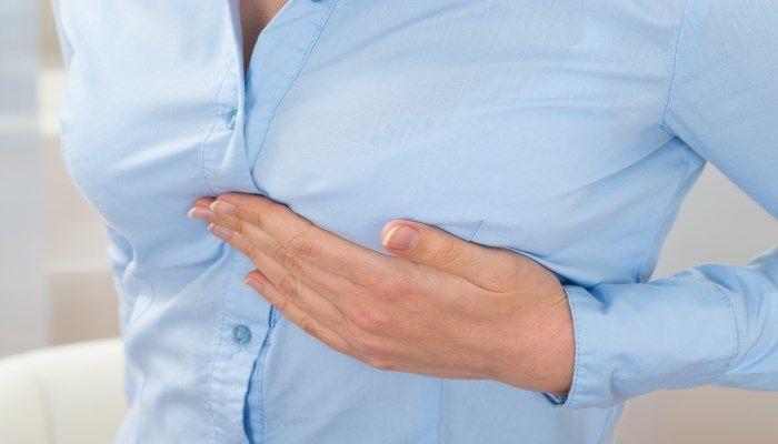 Беременность сопровождается болью и изменением цвета сосков