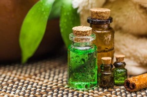 Лечение грибка ногтей маслом чайного дерева