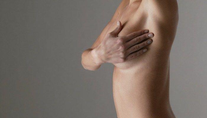 Почему набухает грудь