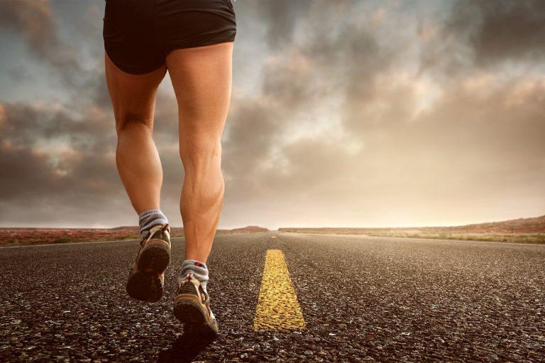 Каждый день ноги подвергаются невероятным нагрузкам